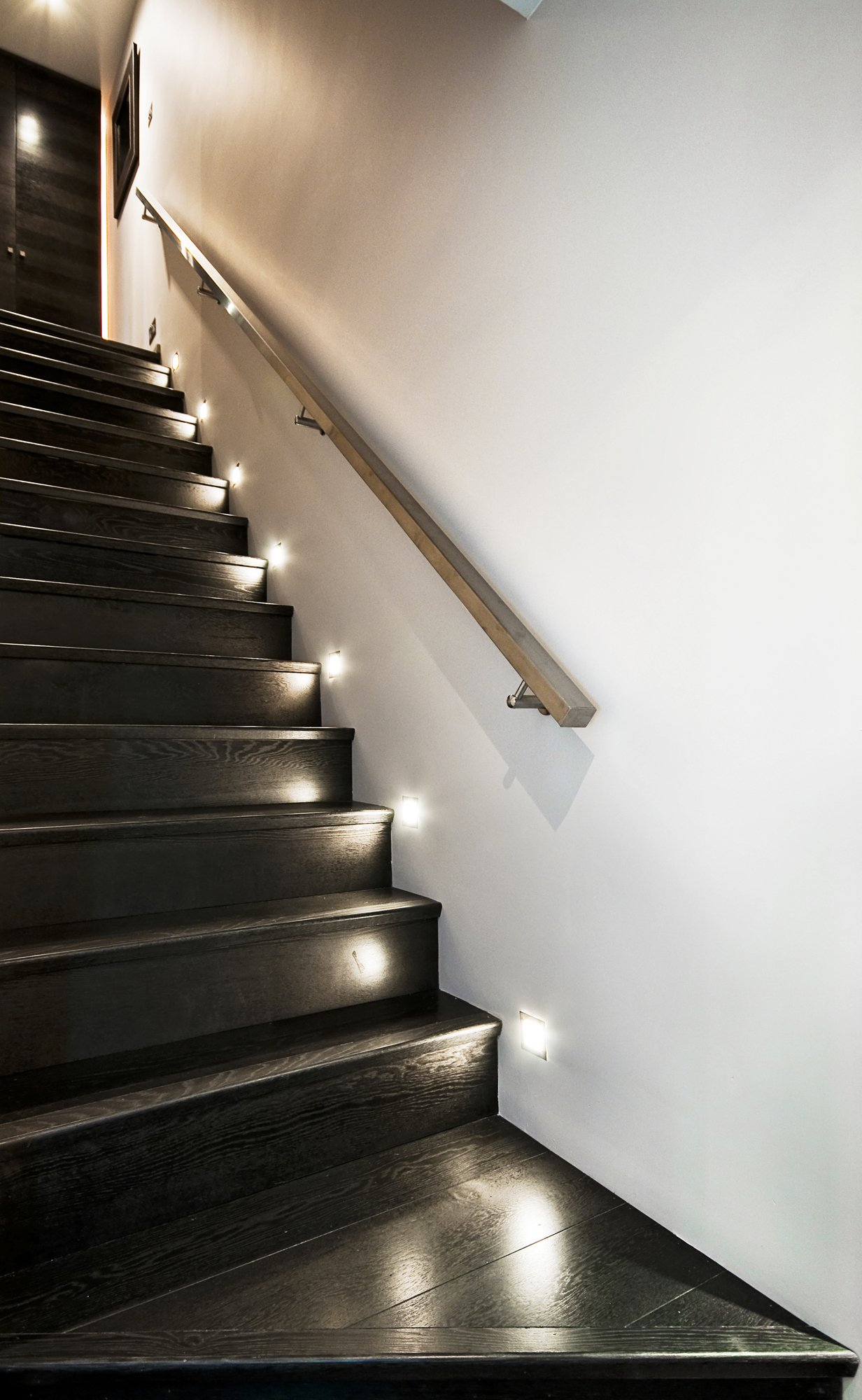 staircase-lighting-feature-lighting-electrician